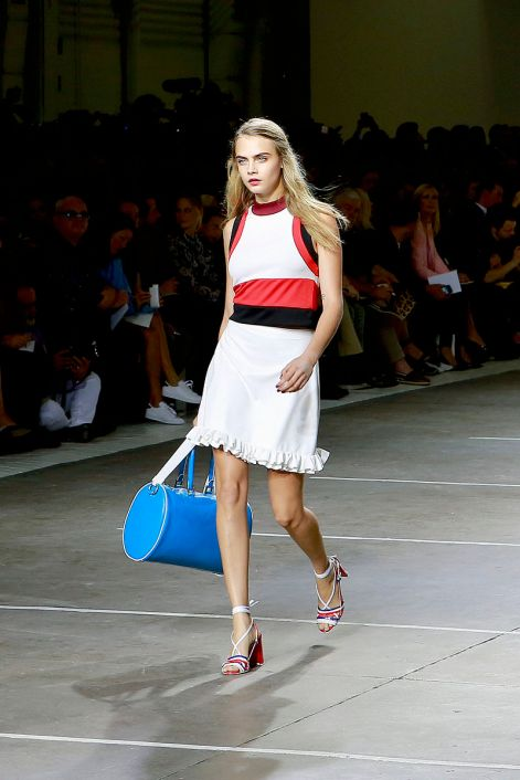 Cara_Delevingne_During_LFW_SS15