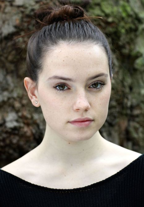 Daisy Ridley Young