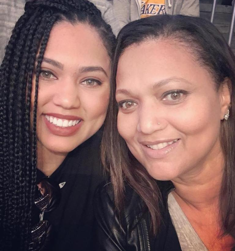 Ayesha Curry Mom