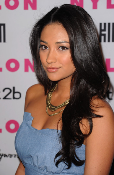 Shay Mitchell Degrassi