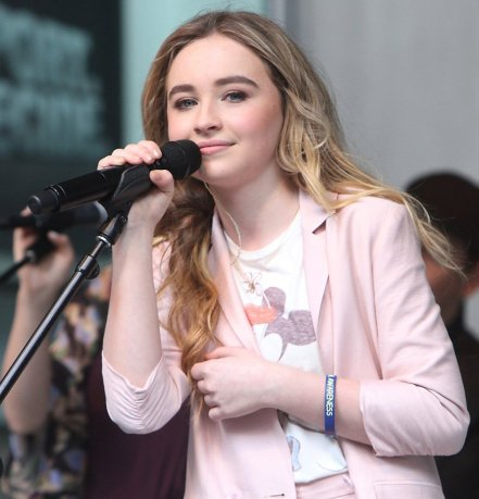 Sabrina Carpenter Signing